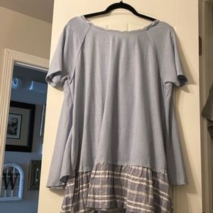 Cute Easel Top with Back Tie Ruffles Blue Tunic L